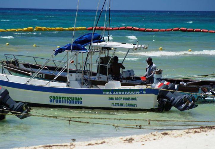 Las naves son llevadas fuera del agua para ser reparadas y, en su caso, reasignadas si es que ya no pueden dar el mismo servicio. (Octavio Martínez/SIPSE)