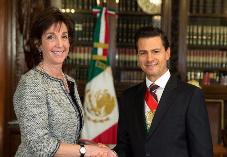 Roberta Jacobson, titular de la Embajada de Estados Unidos en México, dijo que este es un 'gran momento' en la relación entre ambos países. (Presidencia)