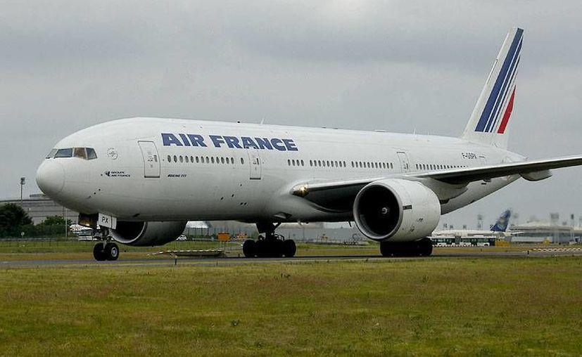 Los pasajeros que utilicen la ruta viajarán a bordo de un Boeing 777-300. (zap16.com)