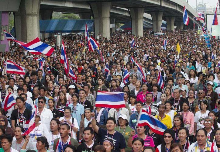 Los manifestantes ocuparon varias zonas clave de la capital para impedir el tráfico y el acceso a algunos edificios oficiales. (Agencias)