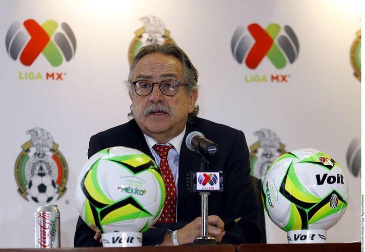 El presidente de la Federación Mexicana de fútbol, Decio de María, ya se encuentra en el destino. (Foto: Contexto/Internet)