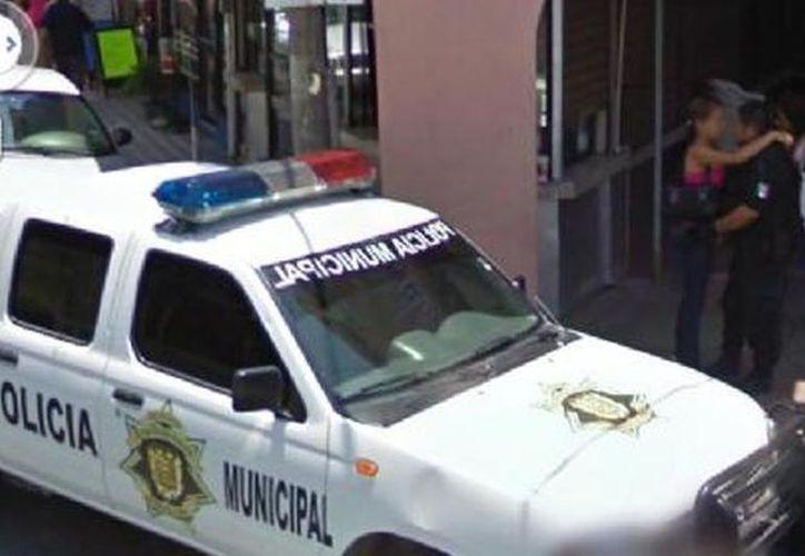 La mujer quería ubicar la comisaría en la que se encontraba su esposo trabajando. (Google)
