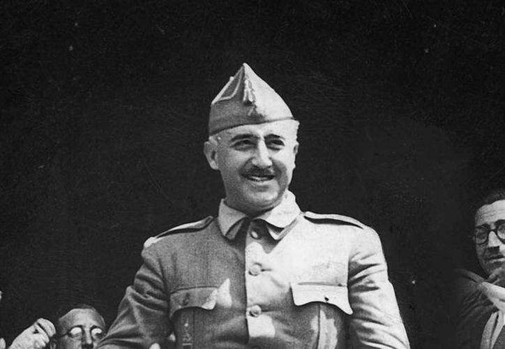 La biografía de Francisco Franco fue redactada por Luis Suárez, académico e historiador especializado en la Edad Media. (likesuccess.com)