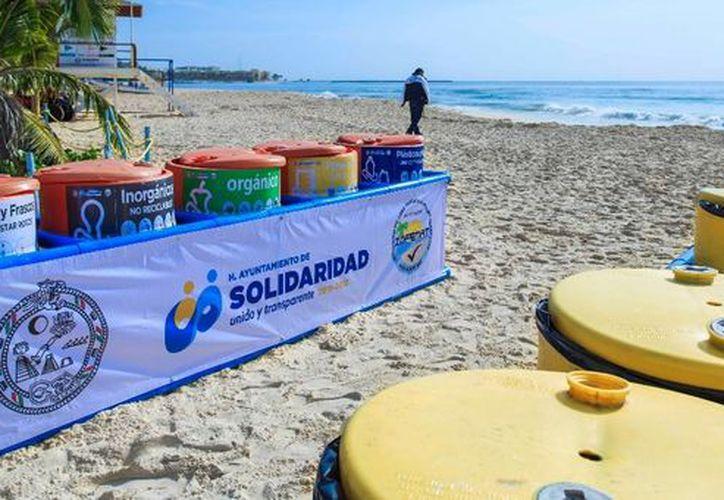 El Gobierno de Solidaridad instaló 100 contenedores de basura en diferentes playas. (Redacción/SIPSE).