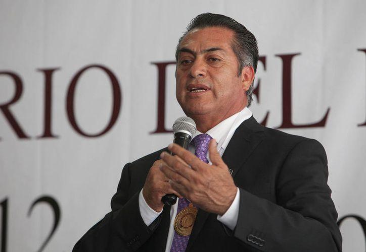 El aspirante por la presidencia de México 2018, invitó a las ciudadanos a enviar mensajes en donde cuenten sus problemas para que visite el Estado. (Contexto/Internet)