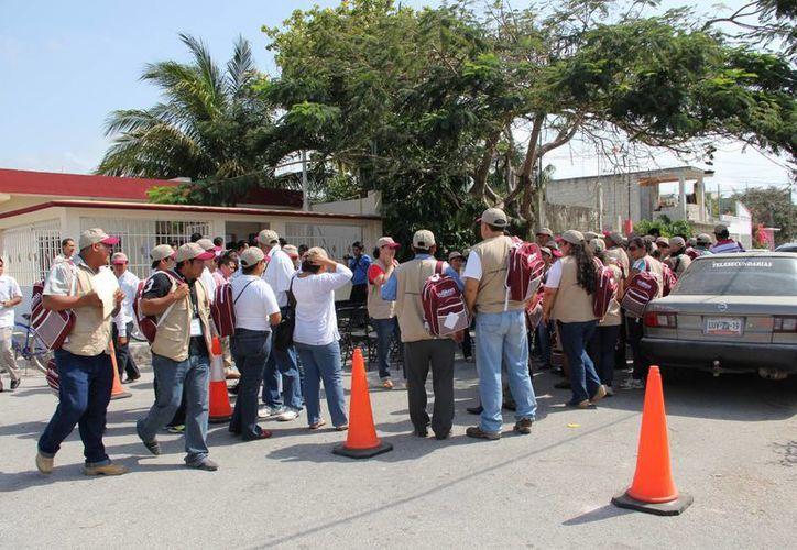 Los ciudadanos ya se encuentran en la búsqueda y capacitación de quienes resultaron insaculados. (Rossy López/SIPSE)