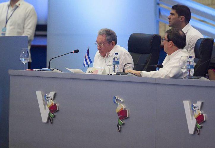 El presidente Raúl Castro asegura que su país tiene la voluntad de seguir negociando con Washington. (AP/Tatiana Fernandez)