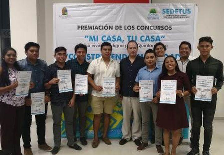 Estudiantes del Instituto Tecnológico de Chetumal ganaron un concurso de diseño de viviendas innovadoras. (Ángel Castilla/SIPSE )