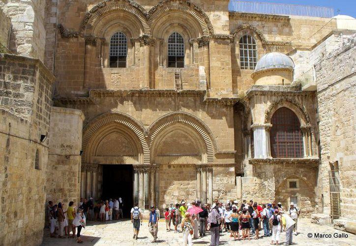 Líderes de la Iglesia cierran el Santo Sepulcro en protesta por impuestos y expropiaciones de tierras en Jerusalén. (Foto: Vivir viajando)