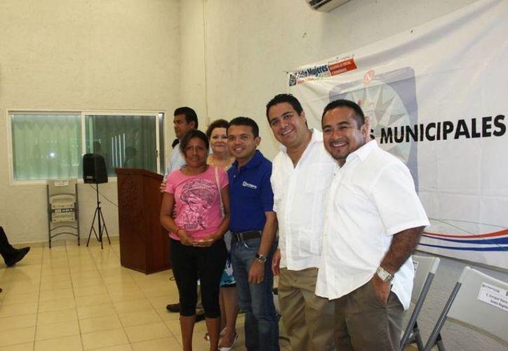El evento se realizó en el Centro Comunitario de la zona continental. (Cortesía/SIPSE)