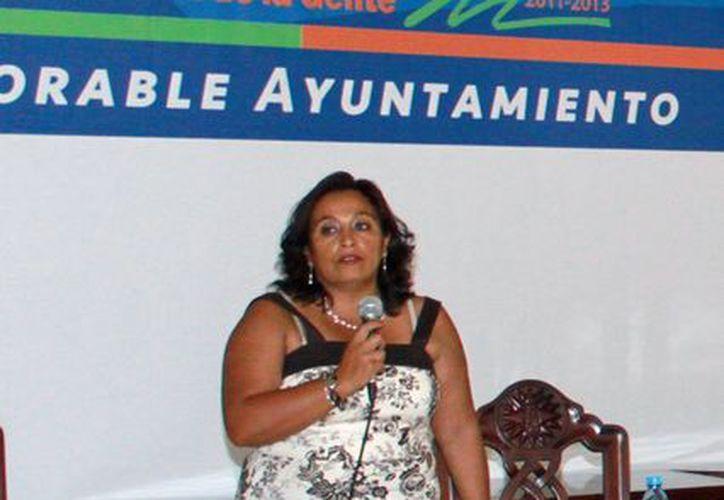 Rosalva Carrillo Zárate dijo que las direcciones deberán entregar los nuevos formatos de las acciones a realizar el próximo año. (Lanrry Parra/SIPSE)