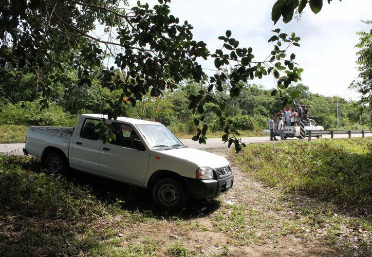 Se negó el acceso al terreno, con ayuda de trabajadores. (Rossy López/SIPSE)