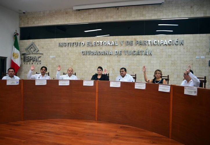 Los consejeros del Iepac se despidieron ayer. El partido Nueva Alianza y el PRD reconocen su trabajo. (Milenio Novedades)