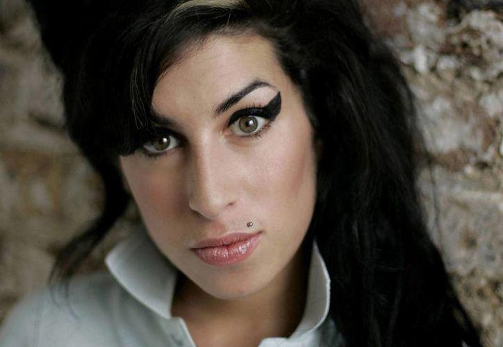 Estrenan el trailer de un documental sobre la vida de la cantante Amy Winehouse.(lovebscott.com)