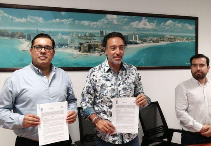 Con la firma del acuerdo entre representantes de Acotur y FEE,  se busca garantizar los estándares de calidad de los arenales. (Karim Moisés/SIPSE)