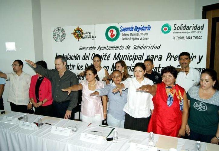 El Comité Municipal para Prevenir y Combatir los Delitos en Materia de Trata de Personas cuando tomó protesta. (Adrián Barreto/SIPSE)