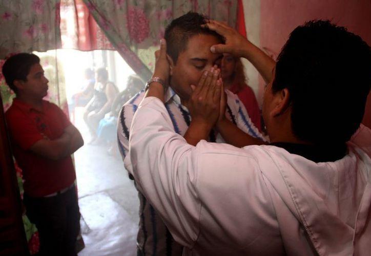 Autoridades de Oaxaca lanzaron una alerta sobre falsos médicos espiritistas, que ya robaron al menos seis millones de pesos. (Imagen de contexto)