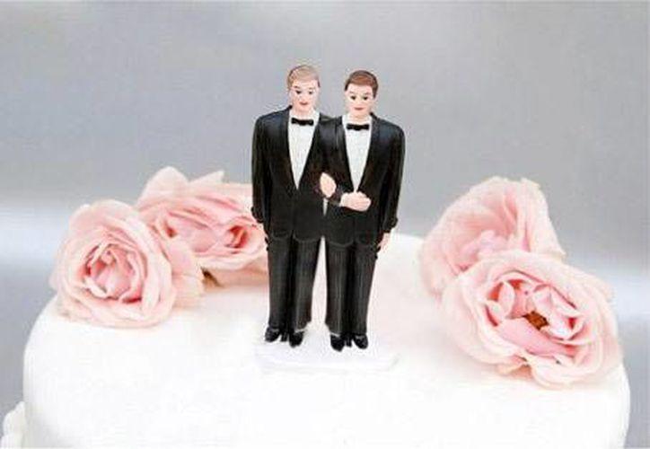 """La agrupación Fusión G asegura que una pareja homosexual """"echaría la casa por la ventana"""" si se pudiera casar legalmente en las playas locales.  (Foto contexto/INTERNET)"""