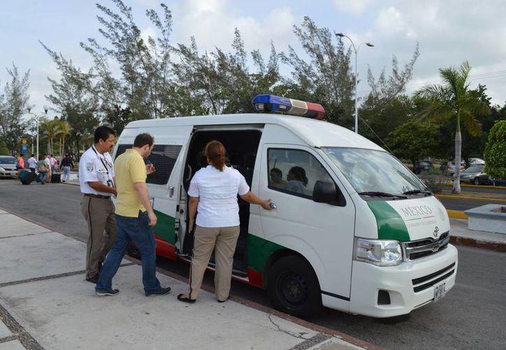 Los afectados tendrán que acudir a la subdelegación del INM en Chetumal para realizar los trámites de actualización del FM3. (Harold Alcocer/SIPSE)