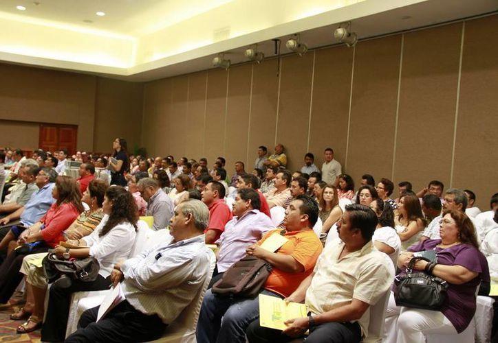 Los directivos de 423 Escuelas de Tiempo Completo se reunieron para hablar de las estrategias de dicha modalidad escolar.  (Redacción/SIPSE)