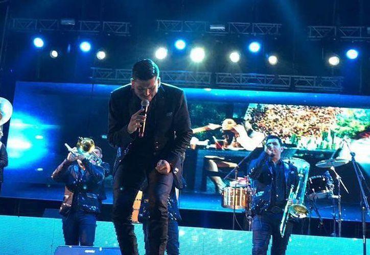 El vocalista de la banda 'Los Recoditos', Luis Ángel Franco denunció a través de su cuenta de Instagram un presunto abuso de autoridad por parte de un policía vial de Aguascalientes. (Facebook)