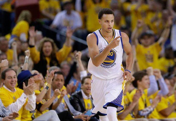 Stephen Curry, de los Guerreros de Golden State, es el Jugador Más Valioso de la NBA. (AP)
