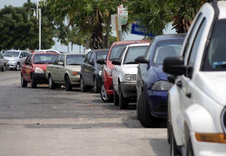 Los delincuentes prefieren atracar los vehículos Tsuru. (Eric Galindo/SIPSE)