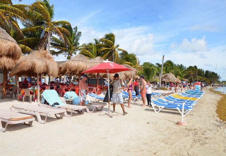 Cada feria tiene su objetivo. Por ejemplo, en el WTN Travel promocionarán entre las agencias europeas los destinos de sol y playa, mientras que en el DEMA Show a Xcalak, Mahahual y Banco Chinchorro. (Foto: David de la Fuente / SIPSE)