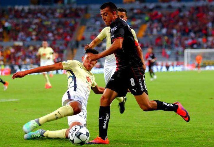 Águilas y Rojinegros brindaron un partido de muchas emociones en el Estadio Jalisco, la noche de este sábado. (Liga MX)