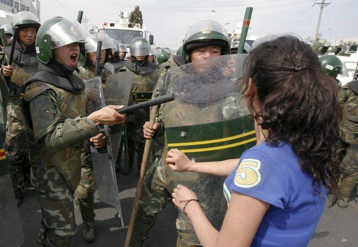 Algunos de los instrumentos son utilizados por la policía durante manifestaciones. (Archivo/EFE)