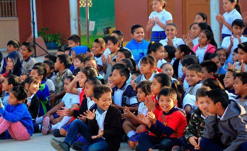 Los menores recibieron pláticas sobre la salud. (Foto: Redacción)