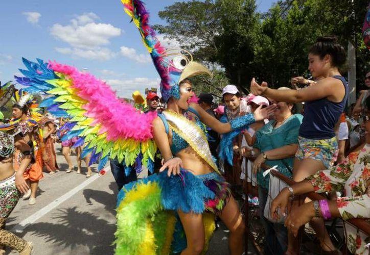 Entre las novedades del Carnaval 2016 de Mérida se encuentran los globos aerostáticos. (SIPSE)