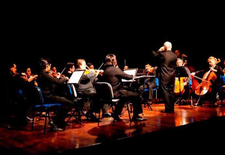 La Orquesta de Cámara de Mérida se presentará este domingo con el espectáculo 'Estampas musicales mexicanas'. (Milenio Novedades)
