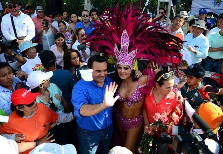 El alcalde meridano Renán Barrera Concha dijo que tras el Carnaval del año pasado se entregaron las instalaciones mejor que como se recibieron. La sede volverá a ser Xmatkuil. (SIPSE)