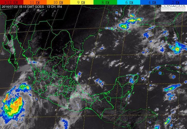 Imagen de satélite que muestra el desplazamiento de la tormenta tropical Frank, este viernes, por costas de Colima y Jalisco. (smn.cna.gob.mx)
