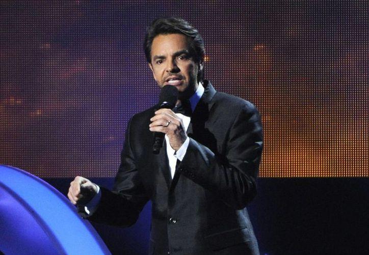 La familia Derbez tendrá un reconocimiento en el Festival Internacional de Cine en Guadalajara en Los Ángeles, la foto corresponde a Derbez durante los Latin Grammy de 2014. (AP)