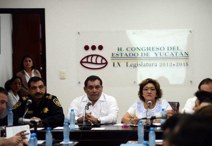 El secretario de seguridad pública del Gobierno del Estado, Luis Felipe Saidén Ojeda, compareció ante el Congreso del Estado como parte del análisis de la Glosa del primer año de gestión del gobernador Rolando Zapata Bello.