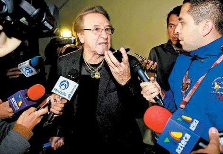 Hubo momentos de tensión tras la llegada de Carlos Villagrán al homenaje a Chespirito. (Milenio)