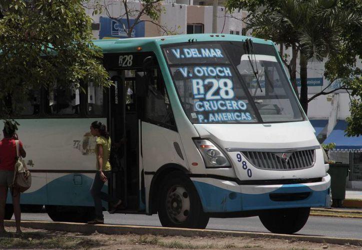 Piden a los pasajeros reportar al operador de la unidad si no llega al destino estipulado. (Tomás Álvarez/SIPSE)