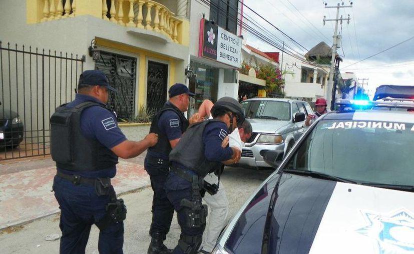 Hay dos casos de personas que fueron detenidas porque grabaron a policías realizando su trabajo.  (Irelis Leal/SIPSE)