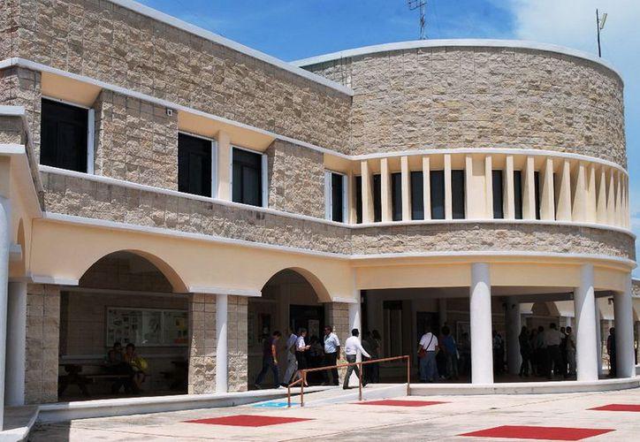 La asignatura de Pediatría fue incorporada a partir del ciclo lectivo 2012-2013, lo que se considera un verdadero logro porque se fortalece la carrera de medicina y se amplían los beneficios de la salud infantil en Quintana Roo. (Redacción/SIPSE)