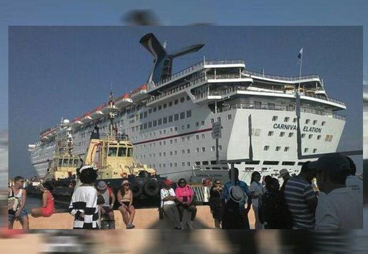 El crucero Carnival Elation zarpó la tarde del lunes con destino a la isla de Cozumel. (SIPSE)