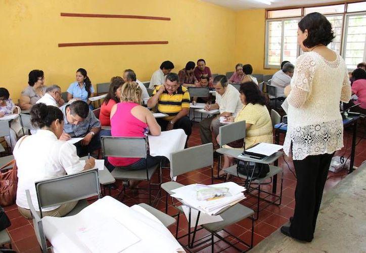 Los maestros serán sometidos a exámenes. (Milenio Novedades)
