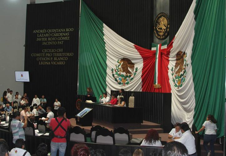 Legisladores de Quintana Roo trabajan en el refuerzo para interponer denuncias penales contra exfuncionarios de Q. Roo. (Eddy Bonilla/SIPSE)