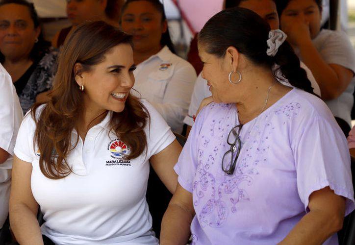 Con pláticas la presidencia municipal de Benito Juárez, encabezada por Mara Lezama, busca prevenir el delito. (Cortesía)