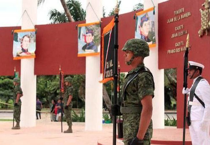 Recordaron a los cadetes fallecidos en 1847. (Redacción/SIPSE)