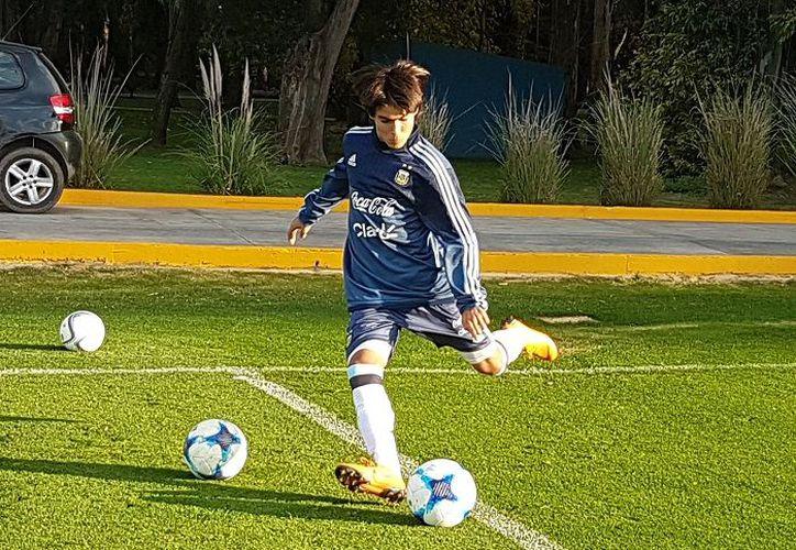 Luka Romero ya tuvo su primer entrenamiento con la Sub 15 de Argentina. (AFA)