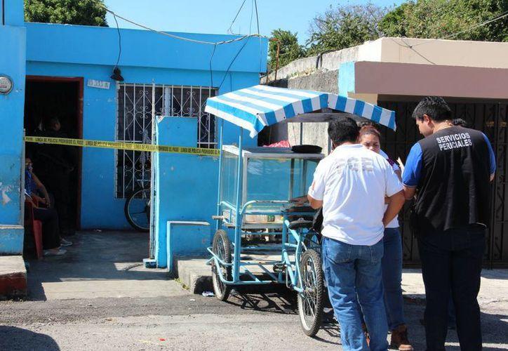 Un plomero que trabajaba cerca de su casa en la colonia Mayapán, falleció en un predio cercano. (Aldo Pallota/SIPSE)