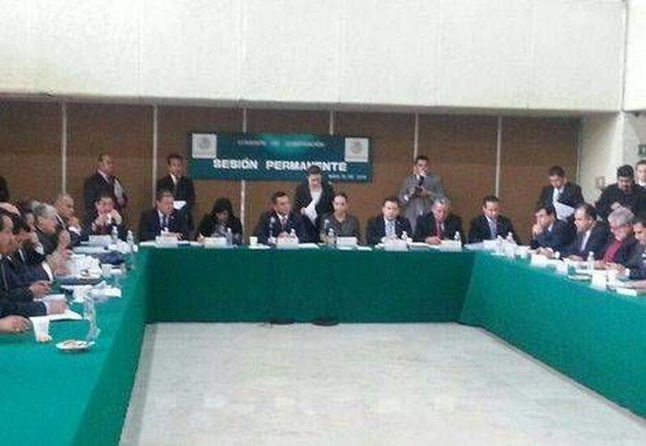 Comisión de Gobernación en la Cámara de Diputados durante la discusión de las leyes electorales, aprobadas en poco más de dos horas. (Milenio)