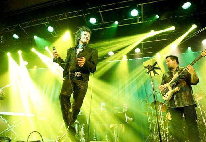 La gira del cantante y compositor Gino Vannelli llegará a la Riviera Maya en noviembre. (Contexto/Internet)